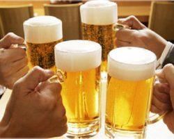 Đề xuất luật hóa việc cấm công chức, người lao động uống rượu bia trong giờ làm việc