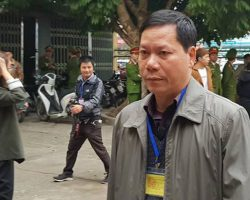 [Nóng] Trương Quý Dương, cựu giám đốc BVĐK Hòa Bình hầu tòa, BS Lương 'vắng mặt không rõ lý do'
